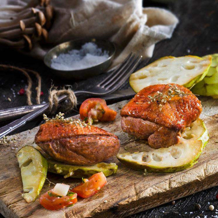 Pato marinado al horno con chirimoya a la plancha