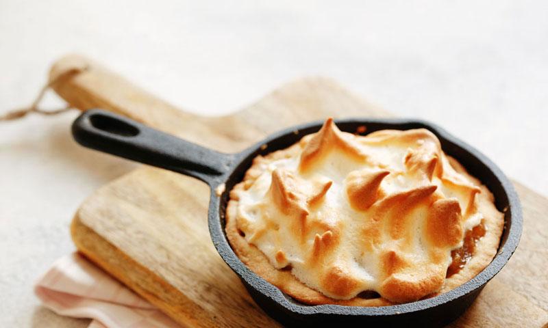 Pastel templado de chirimoya con merengue