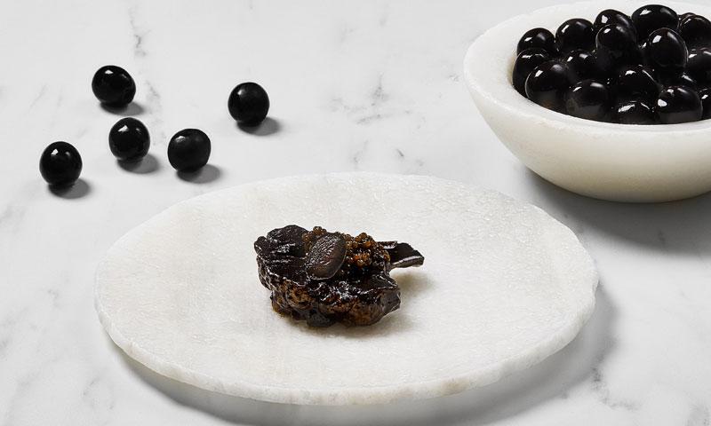Aceituna negra hojiblanca y coliflor