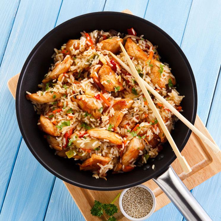 Wok súper fácil de pollo con arroz