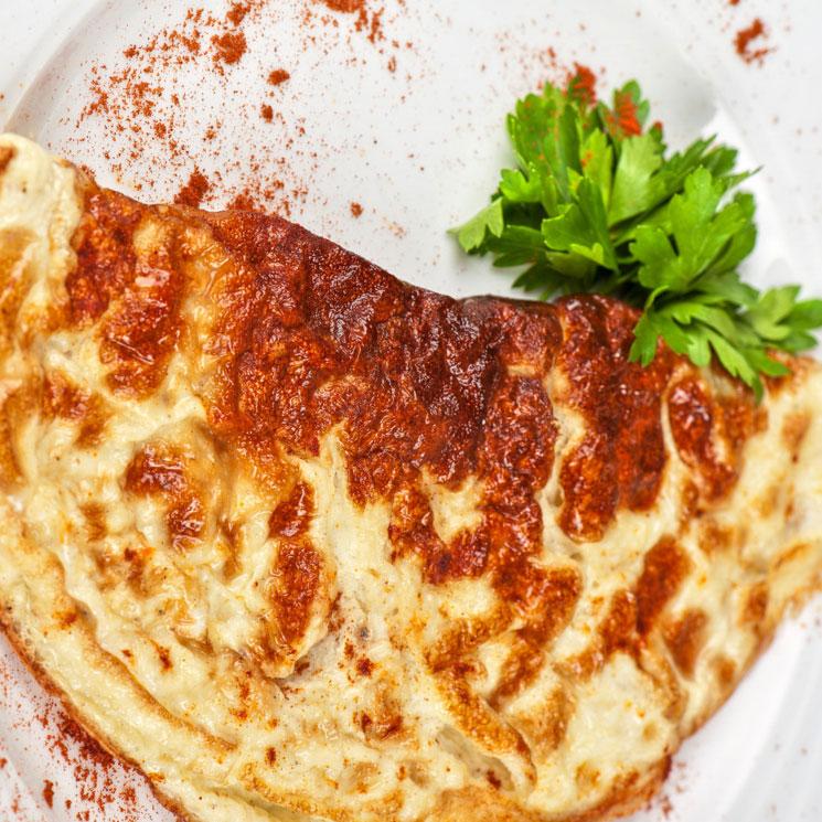 Tortilla francesa gratinada con sabor a pizza