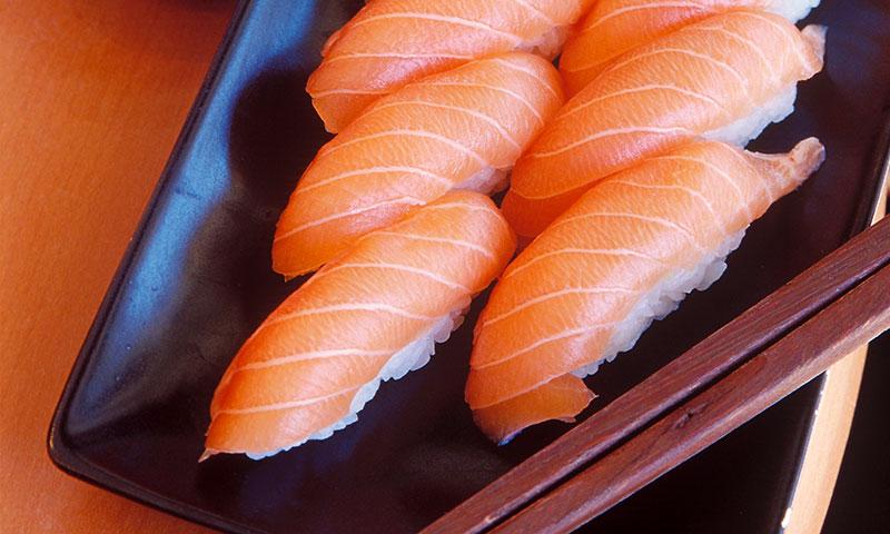 Niguiri sushi de salmón