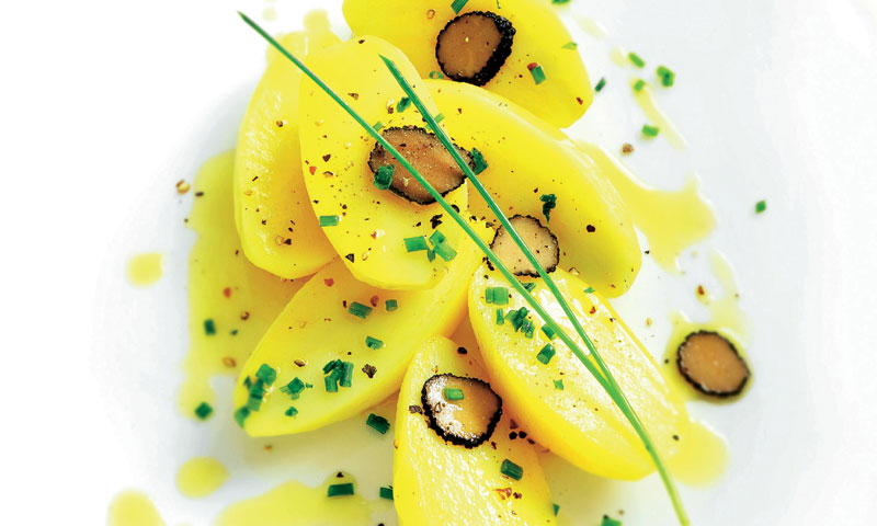 Ensalada de patata con trufa