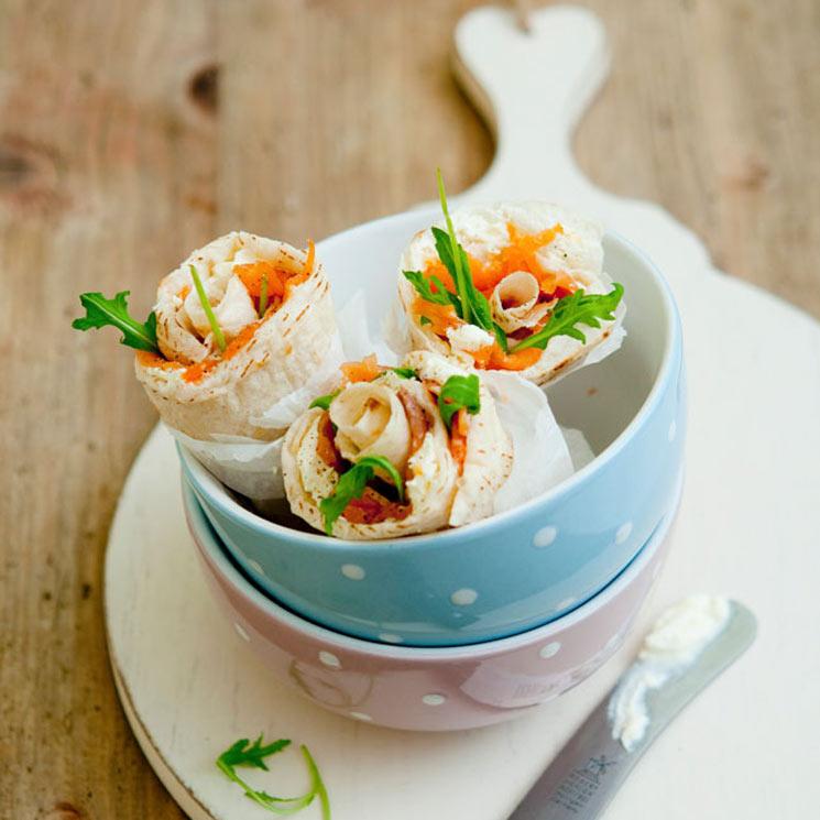 'Wrap' de salmón, rúcula y queso crema