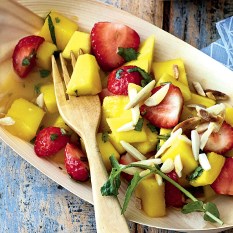 Macedonia de fresas y mango