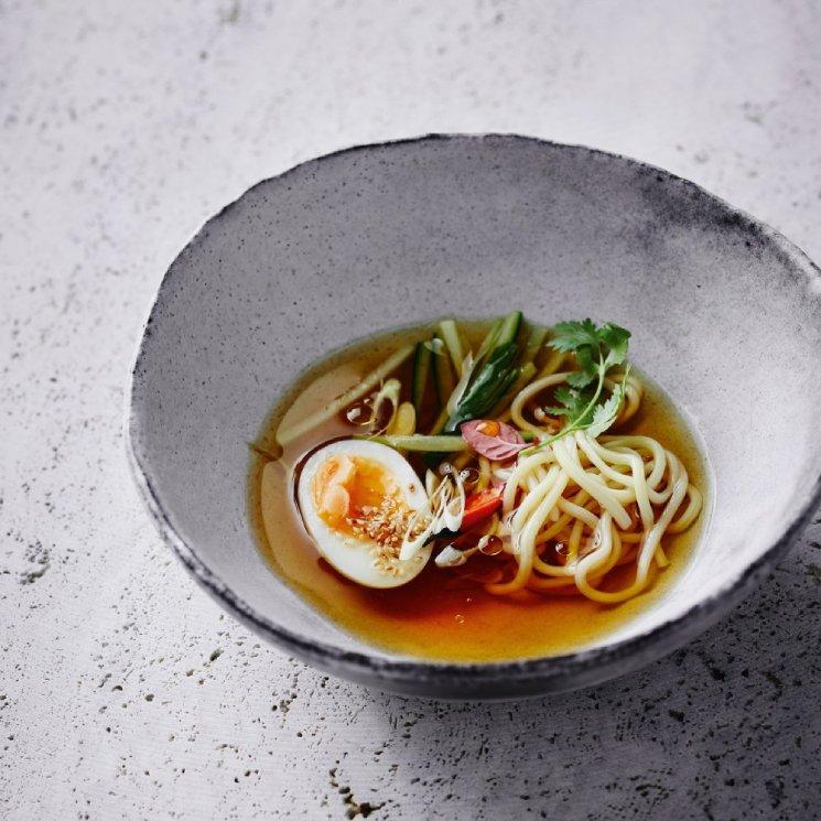 Sopa de udon con lemon grass