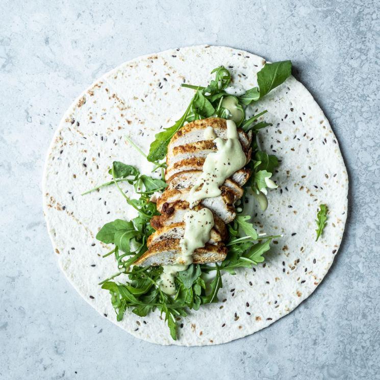 'Wrap' de pollo y mayonesa de mostaza verde