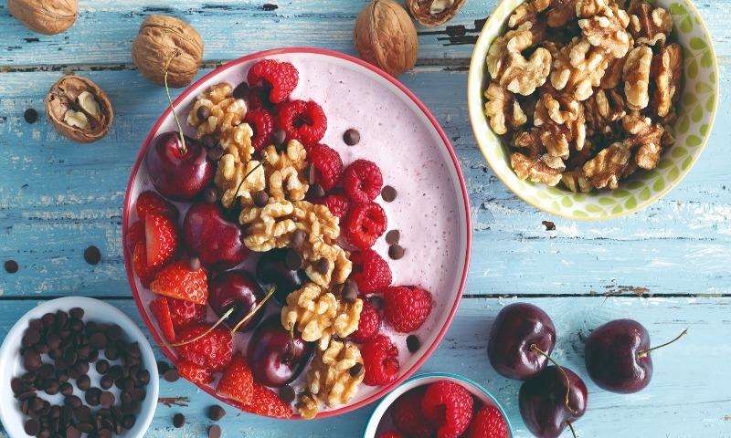 'Smoothie' bol de 'cheesecake' con frutos rojos