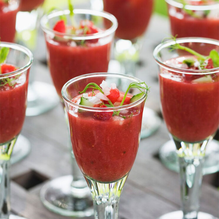 Vasitos de gazpacho de fresas