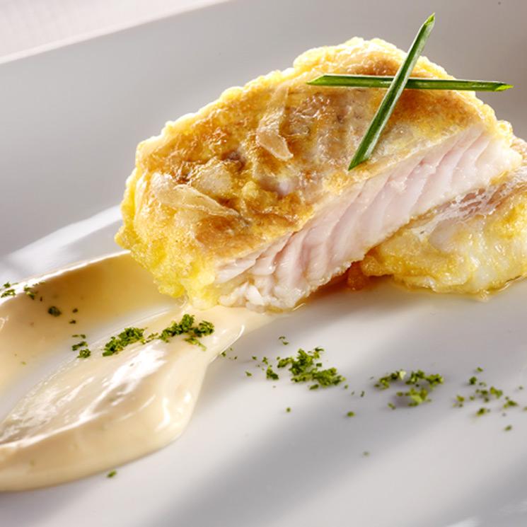 Merluza rebozada con mayonesa de marisco