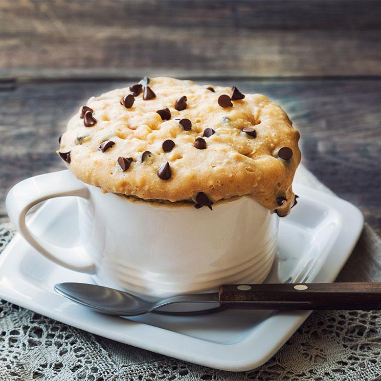 'Mug cake' de 'cookies' de choco y cacahuete
