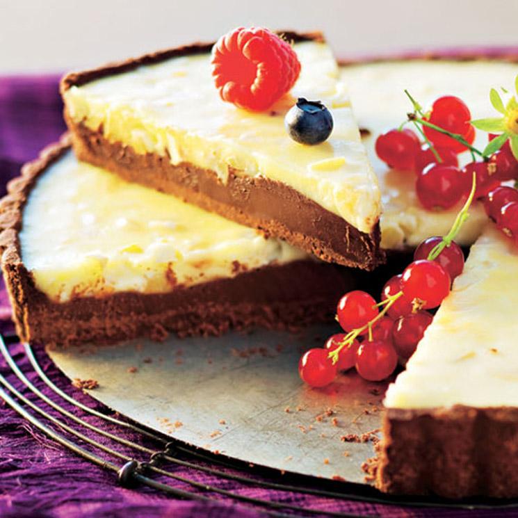 Tarta de chocolate blanco y negro
