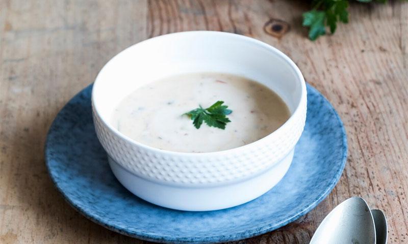 Sopa de coco y cilantro