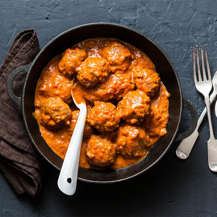 Albóndigas de lentejas en salsa de curry