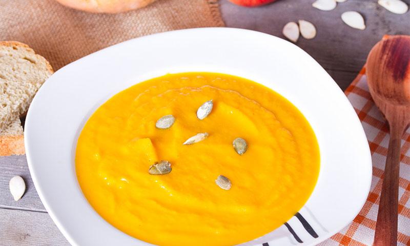 Crema de calabaza al curry con pipas