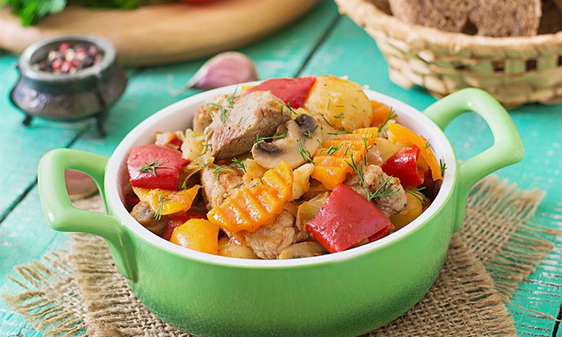 Ragú de magro de cerdo con vegetales