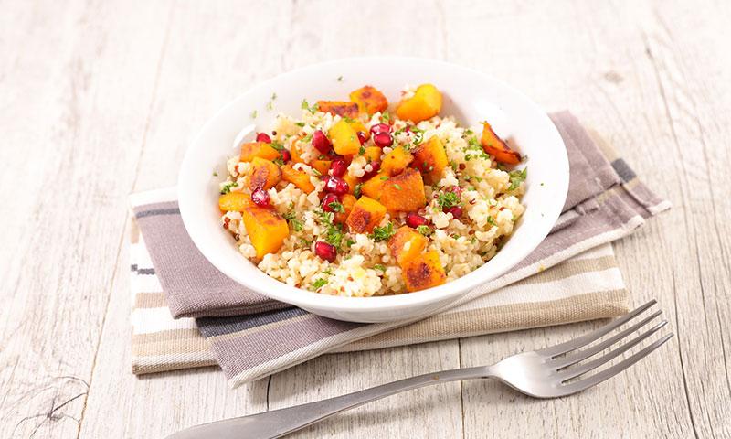 'Arroz' de quinoa con calabaza y granada