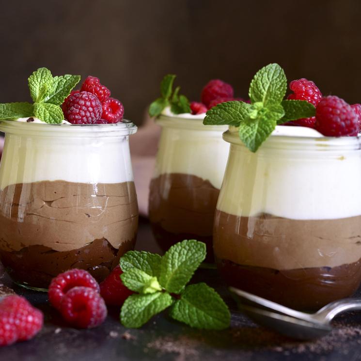 Trío de 'mousses' de chocolate con frambuesas
