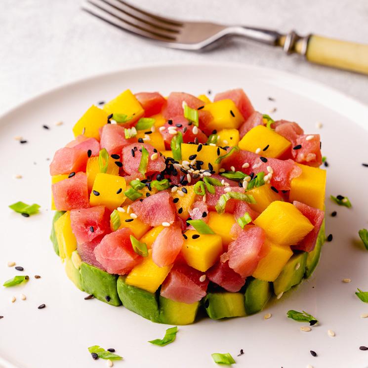 Tartar de atún, aguacate y mango