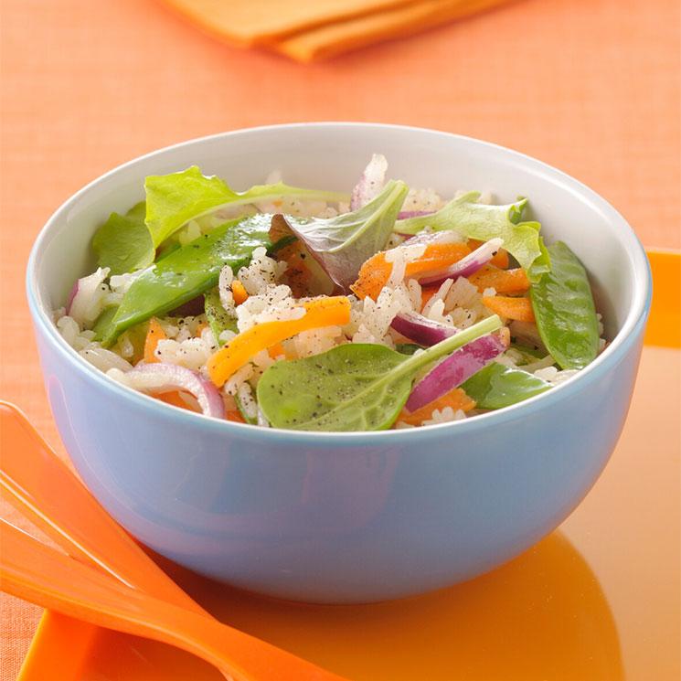 Ensalada con arroz, 'mezclum' de lechugas y verduras