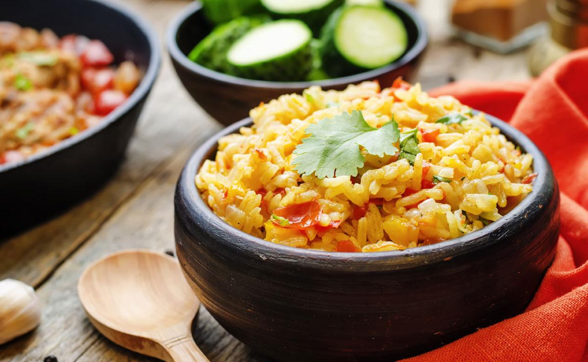 Arroz al azafrán con cilantro y curry