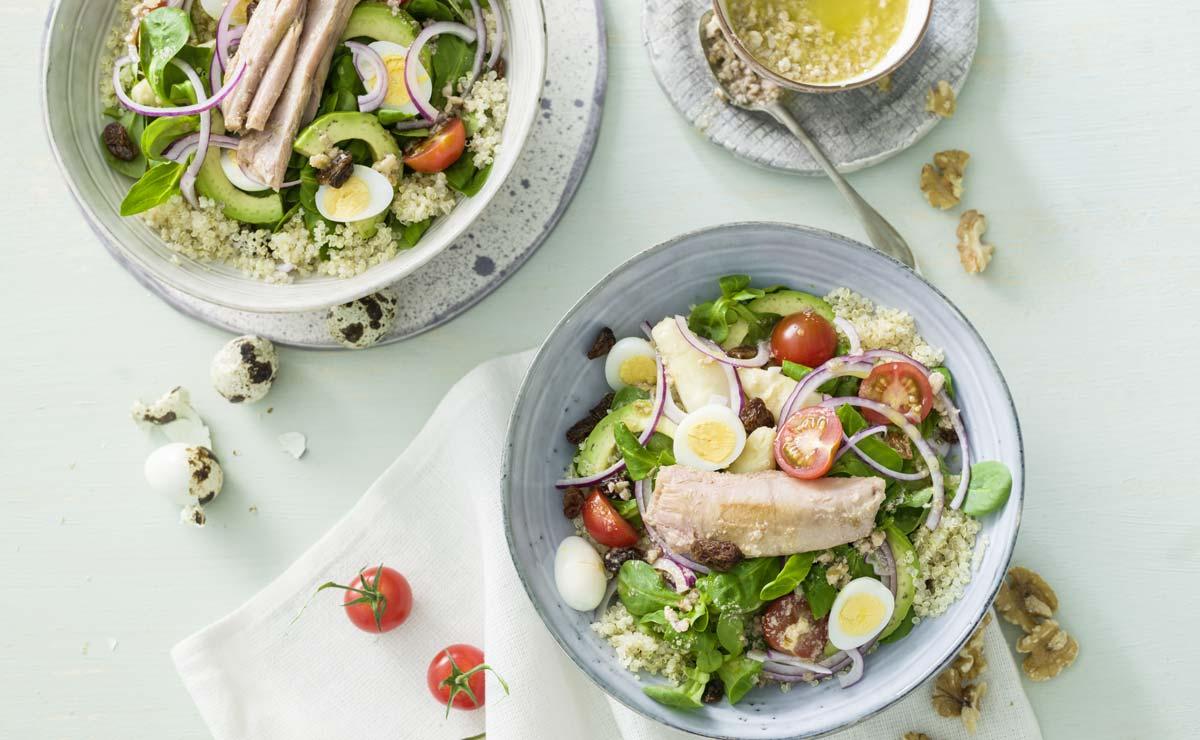 Ensalada de quinoa con espárragos blancos y ventresca de atún