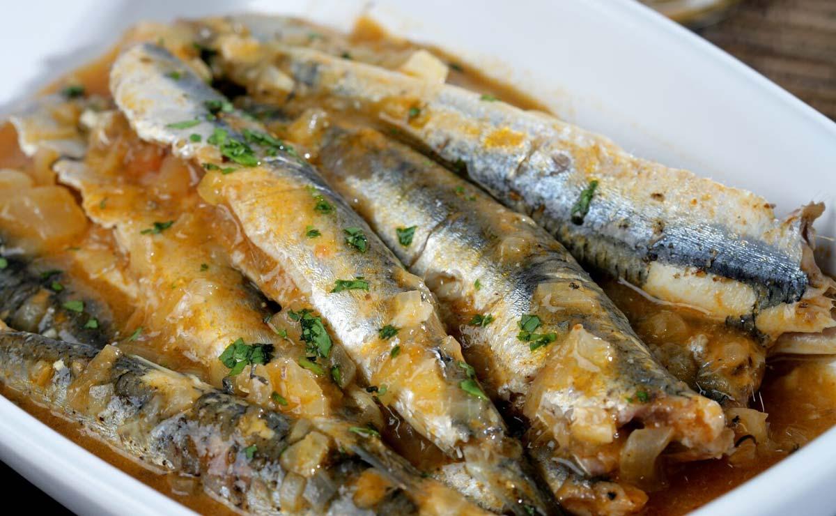 'Suquet' de anchoas frescas