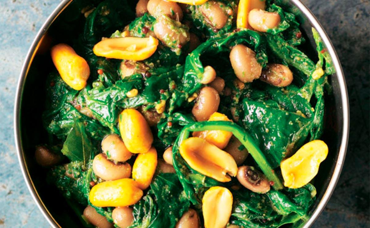 Alubias con espinacas y cacahuetes