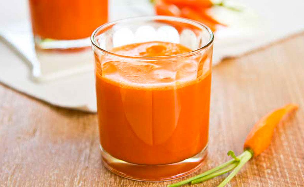 Zumo de zanahoria, calabaza y apio, fuente de vitaminas y nutrientes
