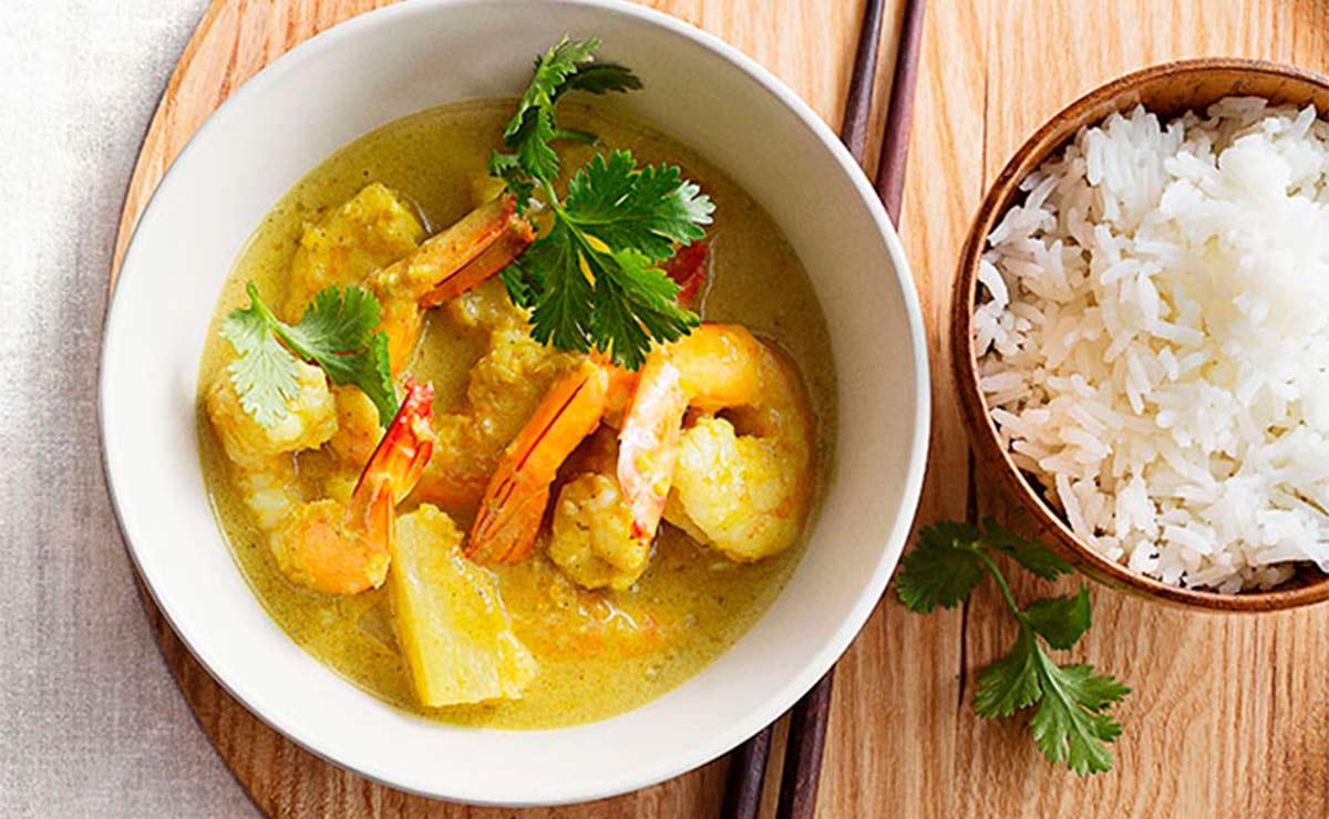 Curry suave de gambas con piña
