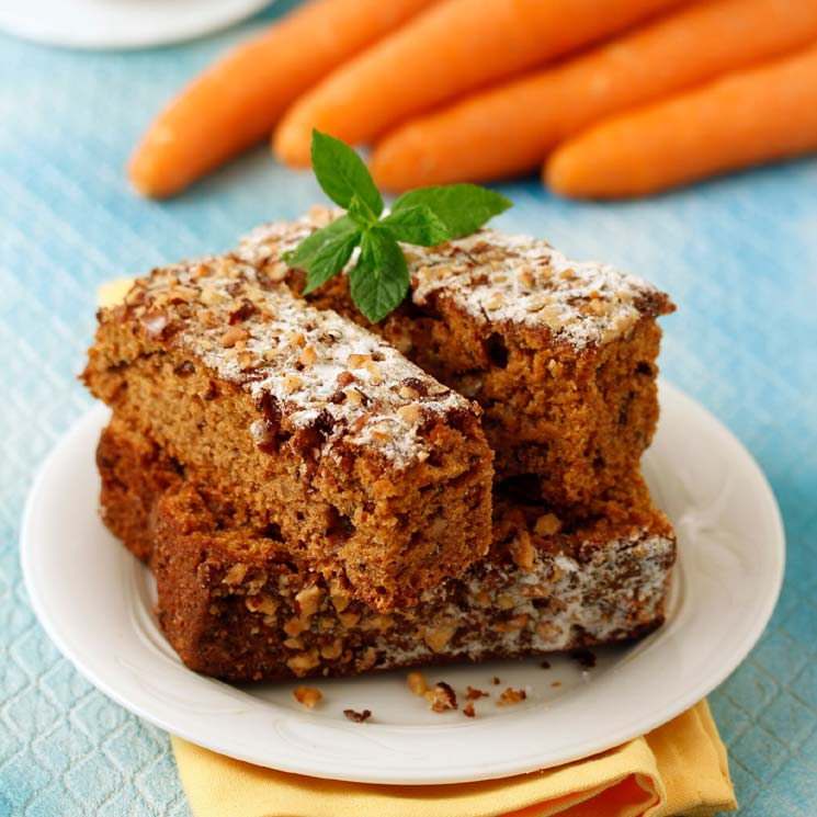 Bizcocho de zanahoria y almendras con harina integral