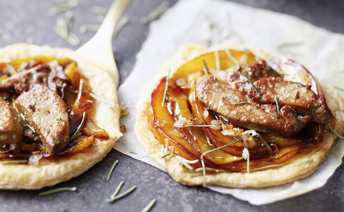 Tartaletas de hojaldre con mango y foie al PX