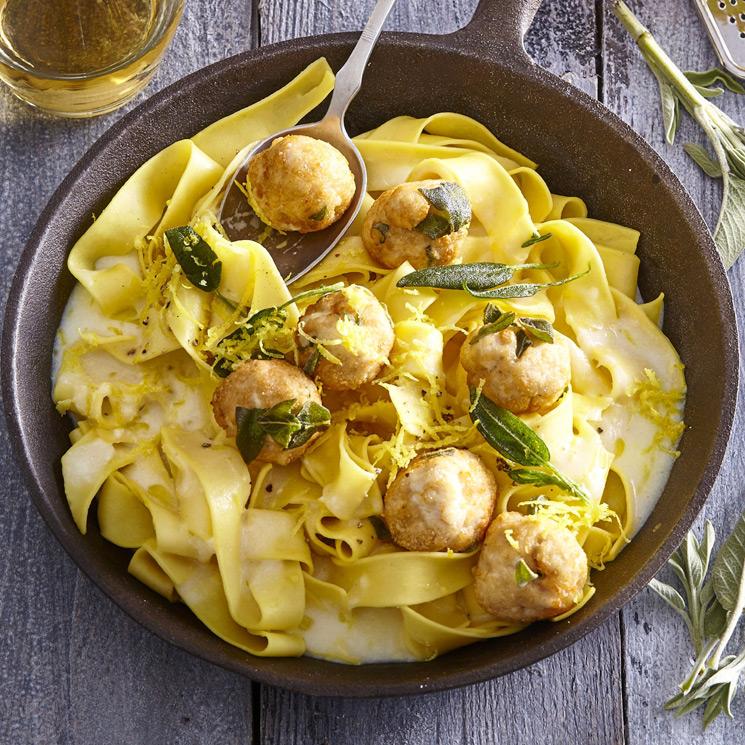 'Pappardelle' con salsa de limón y albóndigas de pollo