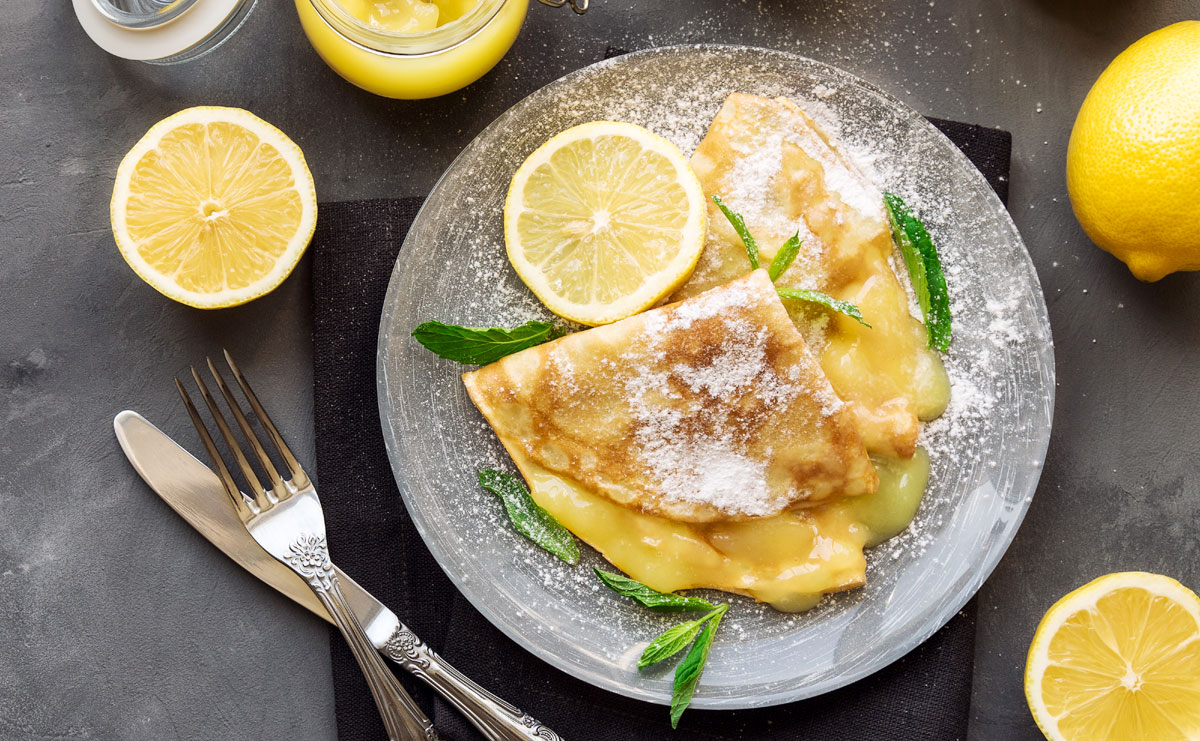 Crepes rellenas con crema de limón