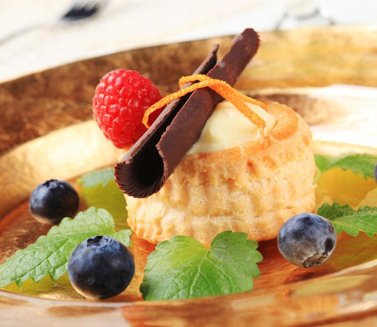 Volován de crema pastelera con frutos rojos