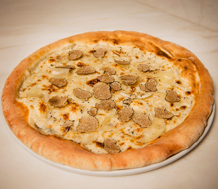 pizza-con-bechamel-y-trufa