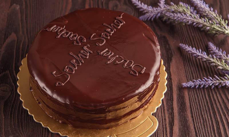 Aprende a preparar la tarta Sacher como un auténtico profesional