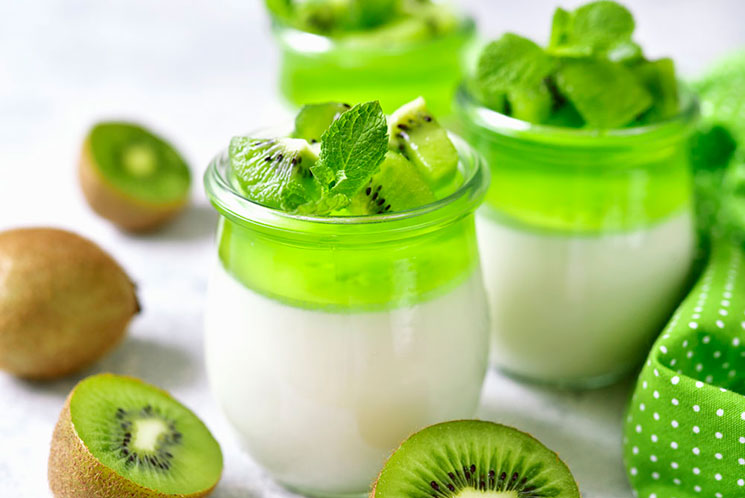 Panacotta con gelatina de kiwi