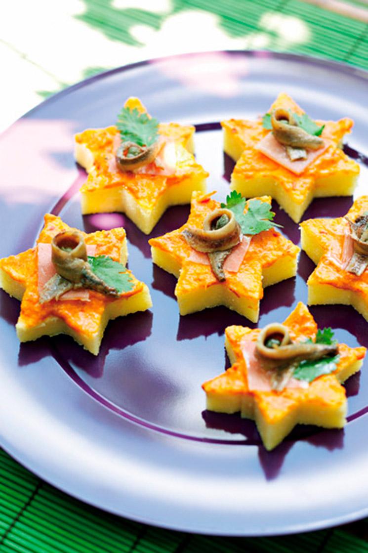 Estrellas de polenta con sobrasada y anchoas