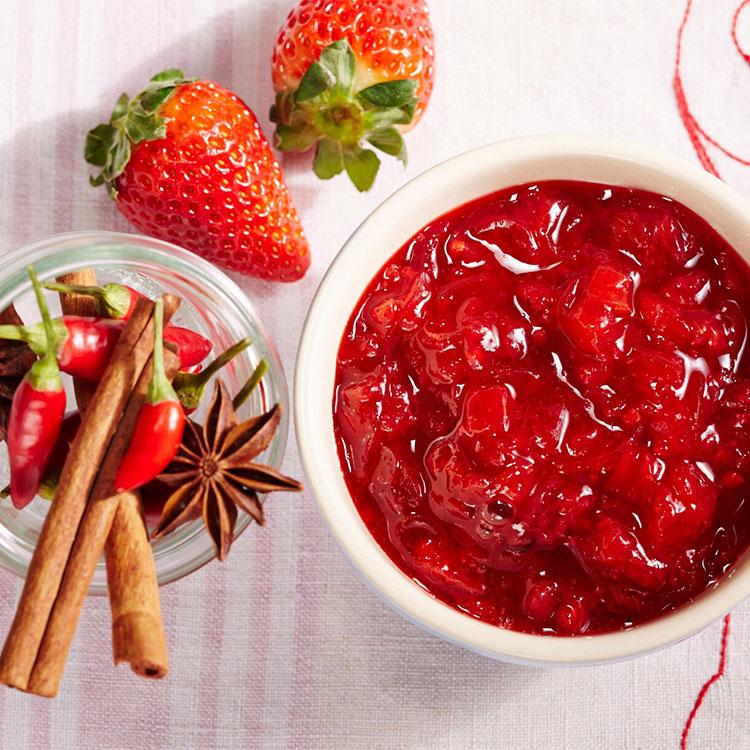Chutney de fresa, chile, anís y canela