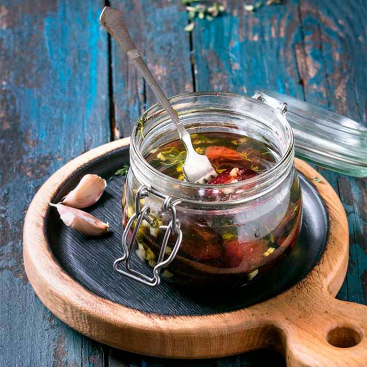 Tomates secos con ajo y orégano