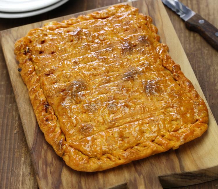 Empanada de carne y jamón