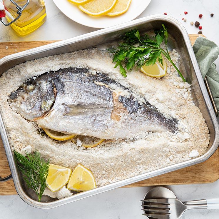 No te creerás lo fácil que es hacer pescados a la sal