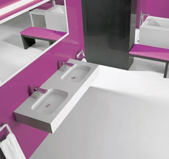 Llena tu baño de vanguardia y funcionalidad