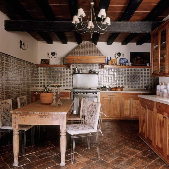 Cocinas r sticas vuelve el encanto de lo tradicional foto for Ver cocinas rusticas