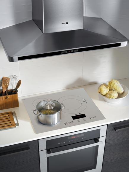 Una cocina libre de humos foto 3 - Campanas extractoras potentes ...