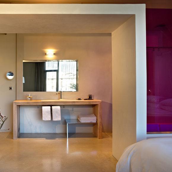 Hotel viura 39 sorpresa cubista 39 en el coraz n de la rioja for Hotel diseno la rioja