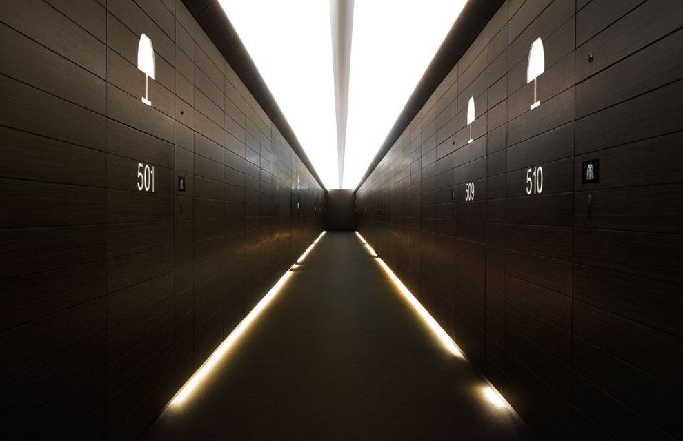 Todo el estilo de armani en un hotel en dubai for Hoteles de lujo modernos