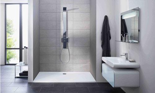 Duchas espacio y decoraci n todo en uno - Decoracion banos con plato de ducha ...