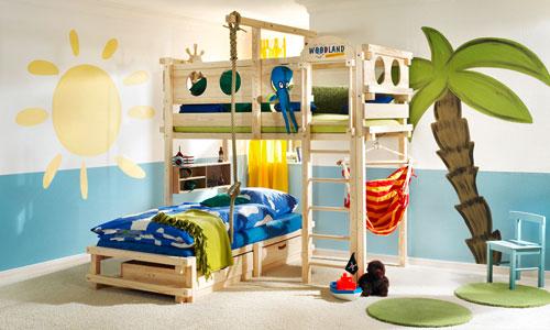 игровой комплекс для детей для дома с кроватью.
